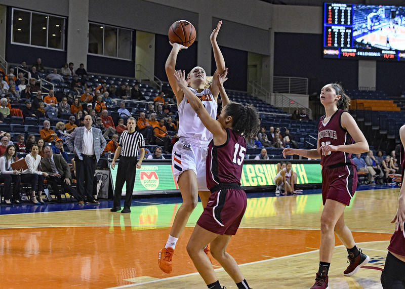 Bucknell women's basketball coach Woodruff delves into program history with former players' help