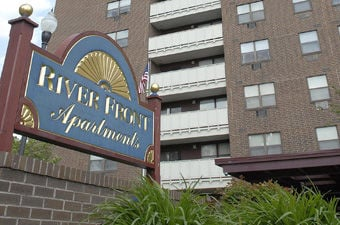 Riverfront Apartments Jumper Had Arrest Record