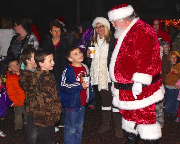 Christmas Parade Features Frozen Fun Daily Journal News