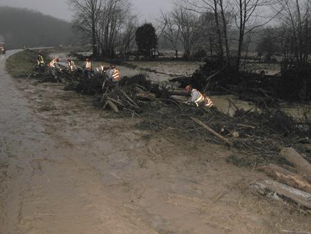 Five injured, park destroyed in dam break | Daily Journal
