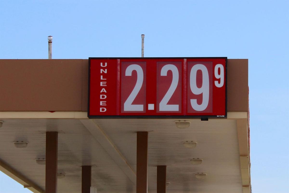 Thanksgiving gas prices rise