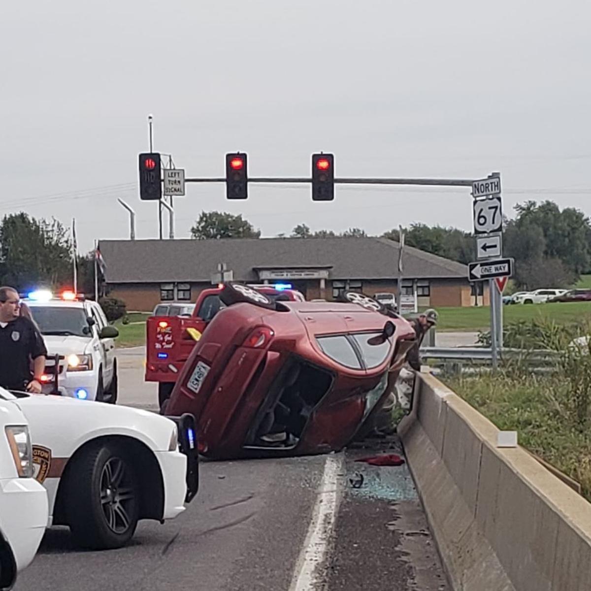 UPDATED: Wreck affects overpass traffic | Daily Journal News