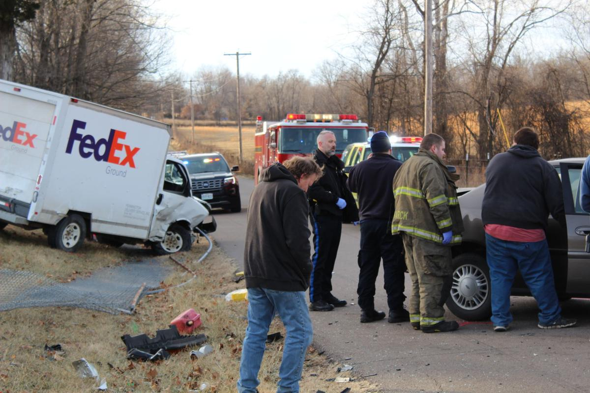 Several injured in crash involving FedEx truck | Gallery of Pictures