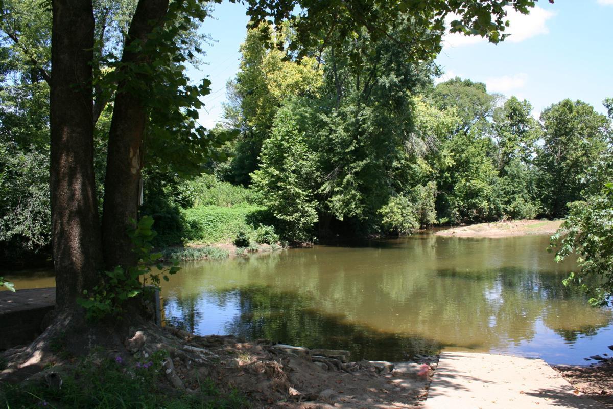 Cherokee Landing, big river put-in.JPG