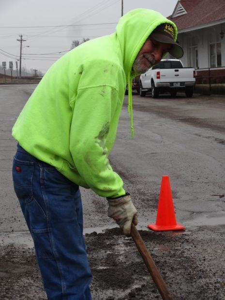 Potholes to be asphalted over this week