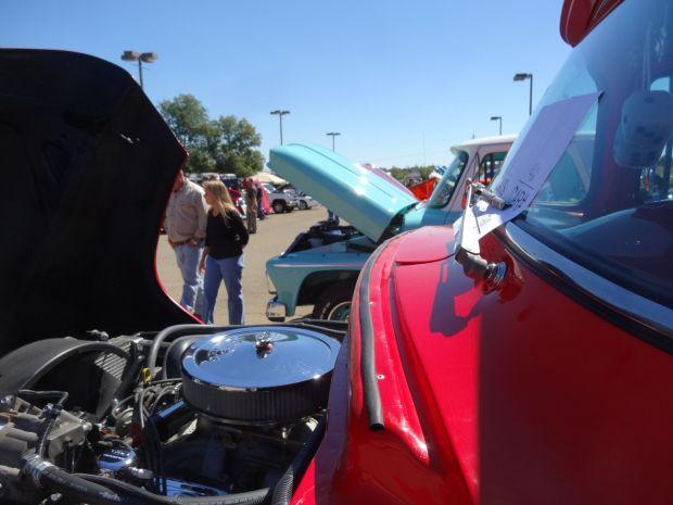 Sam Scism Ford >> Pics: Car show at Sam Scism | Gallery of Pictures | dailyjournalonline.com