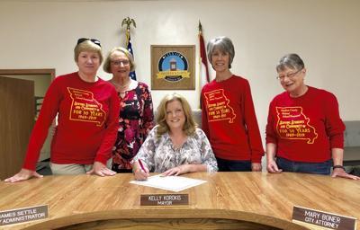 Mayor signs proclamation