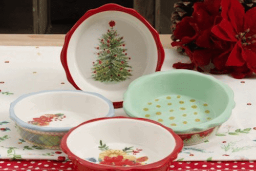 the pioneer womans christmas themed kitchen items are on sale at walmart - What Time Do Walmart Close On Christmas Eve