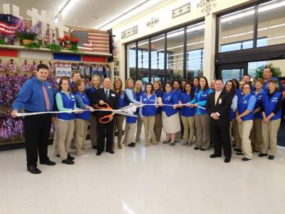 Hobby Lobby Holds Ribbon Cutting Local Business