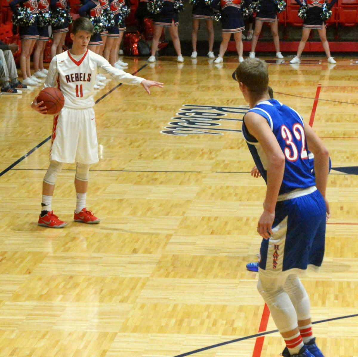 Central struggles from perimeter against Hawks  f43637aeb
