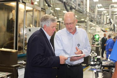 Governor visits US Tool