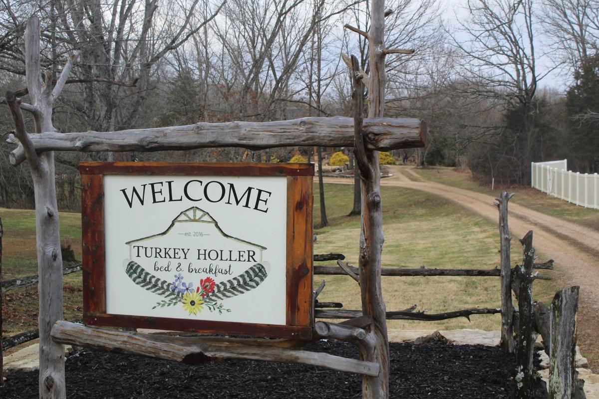 ENTERTAINMENT Turkey Holler Bed and Breakfast in Bonne Terre