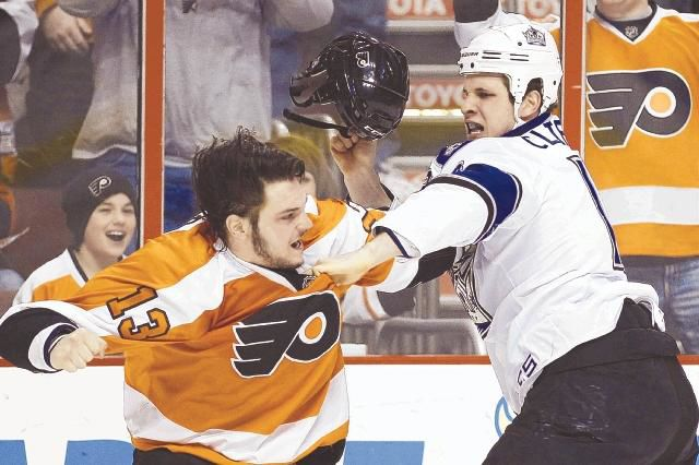 Flyers shut out by Kings as line switch stalls