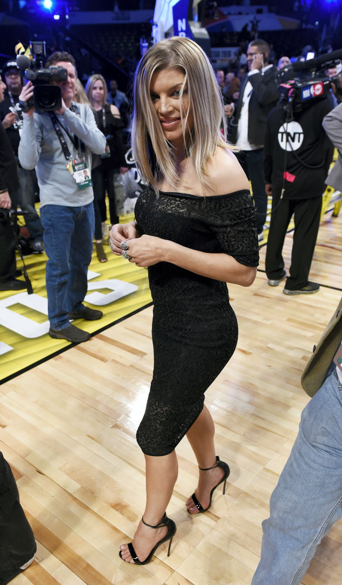 Fergie's NBA All-Star Game national anthem confuses, amuses
