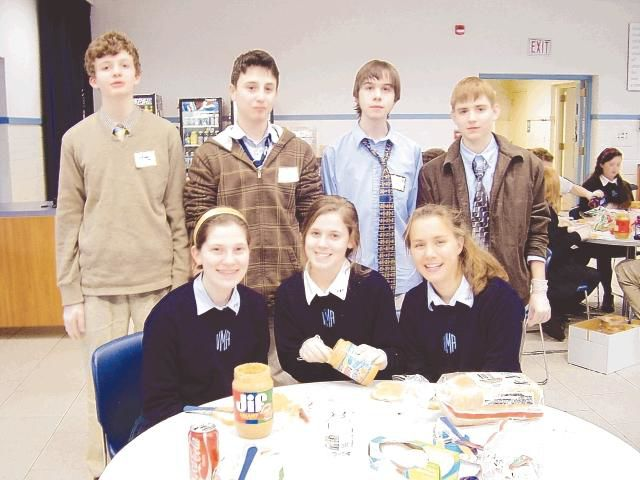 Students make sandwiches for homeless