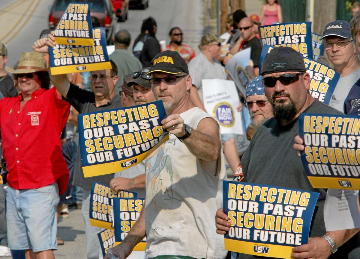 Coatesville steelworkers take to the picket line