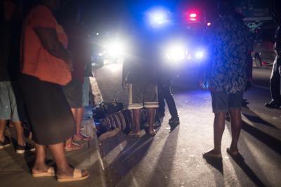 女人跳出公共汽车后住院
