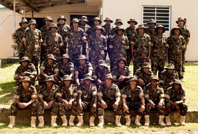 100名瓦努阿图移动部队新兵