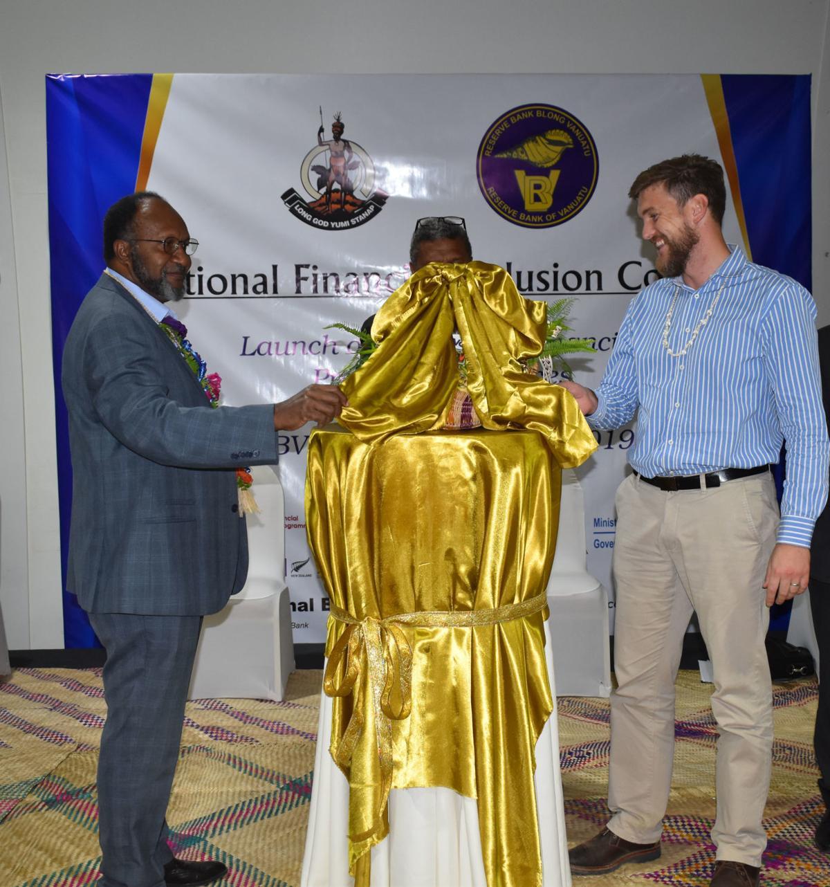 Prime Minister Charlot Salwai and Clinton Pobke