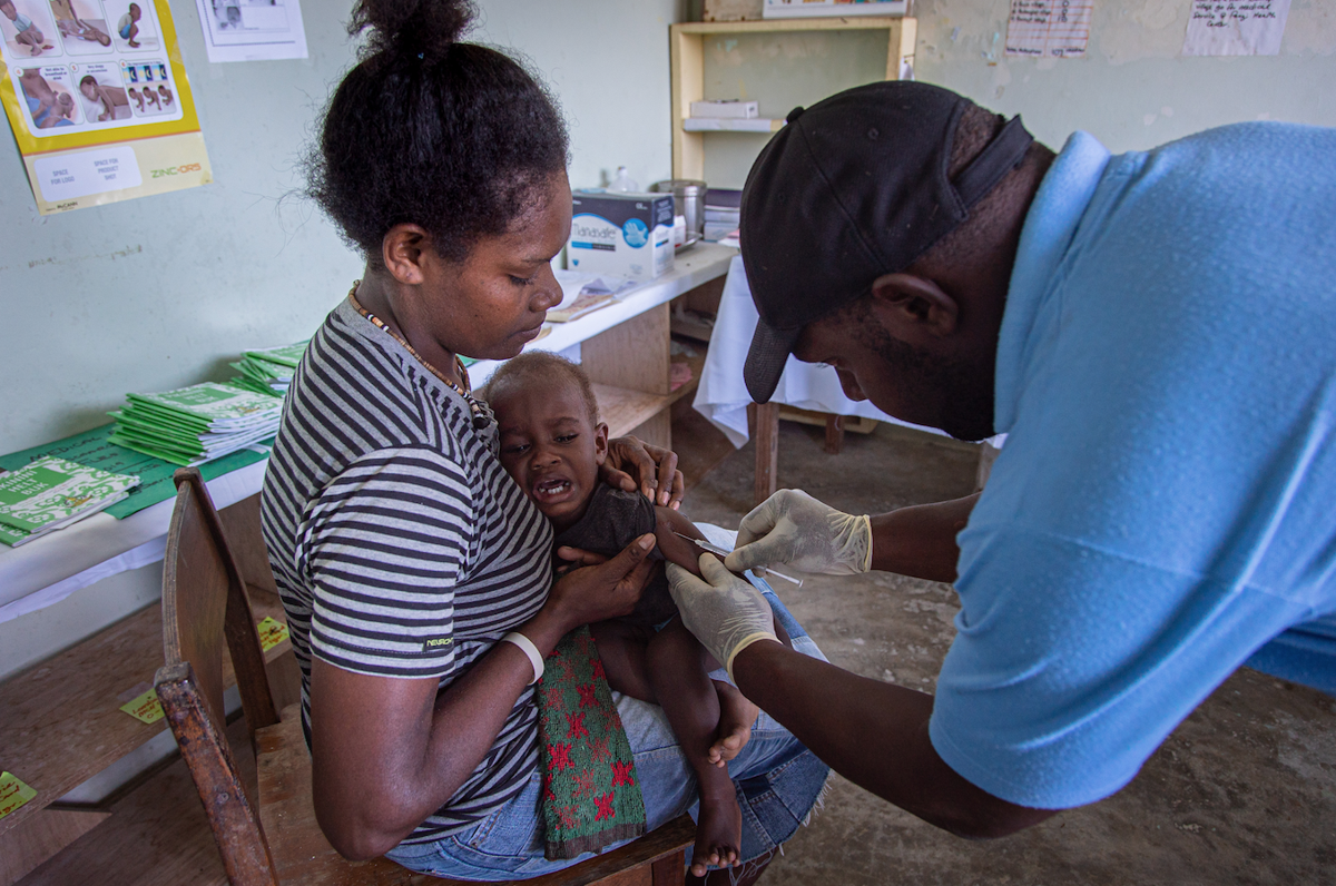 确保儿童获得救生疫苗是在哈罗德飓风过后最重要的事情