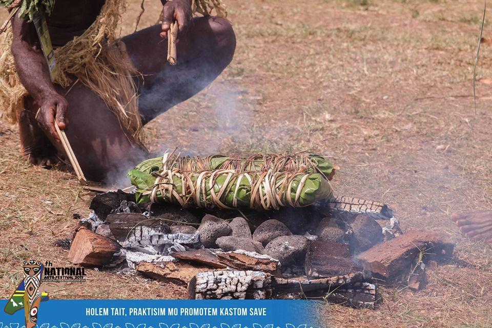 瓦努阿图的富文化在第四届全国艺术节上展出