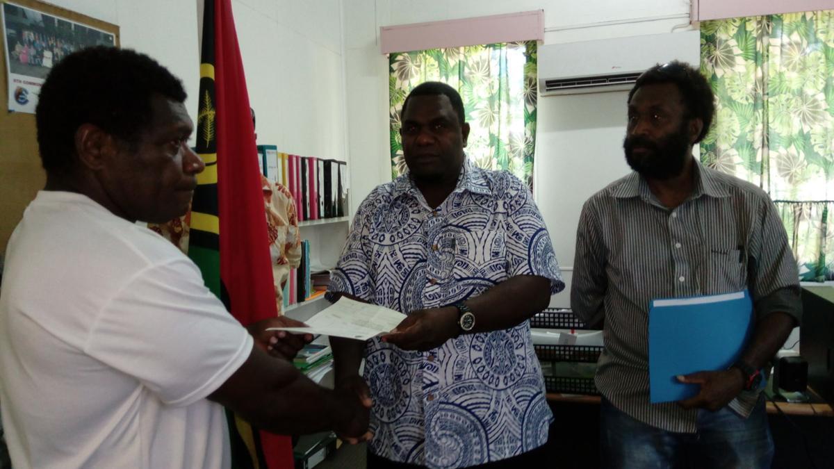 Simeon Seule gives to Malampa Revivors