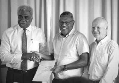 教育部和瓦努阿图航空的目标是到2030年瓦努阿图将有140名飞行员