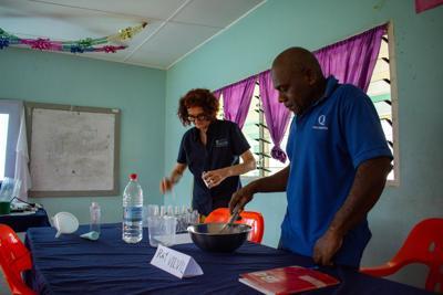 COVID-19安全业务运营培训到达桑托