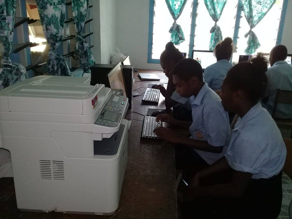 Maewo School connected to online Educational Resources