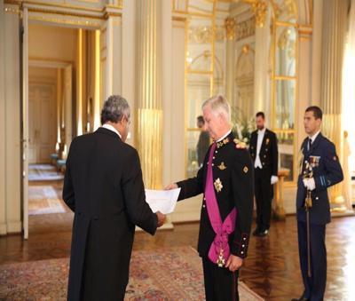 Ambassador Licht presents credentials to Belgian King