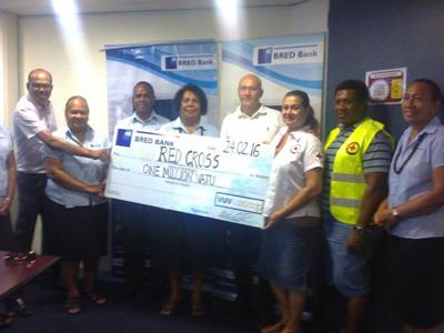 BRED Bank GM Darryl Constantin (c) with VRS CEO Jacquline de Gaillande (r) flanked by BRED Bank and VRS Staff