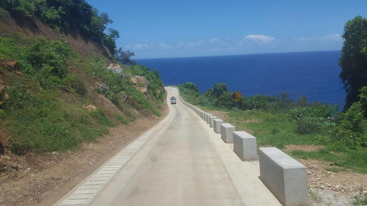 China-funded tar seal road on Tanna complete