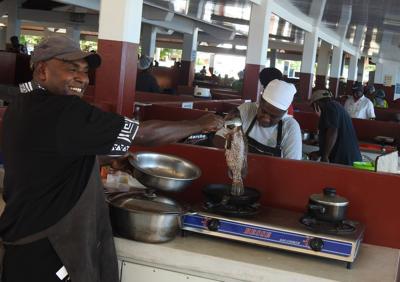 菜市场餐厅的本地顶级厨师