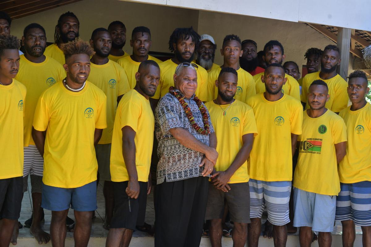 Prime Minister Bob Loughman encourages Ruerue FC