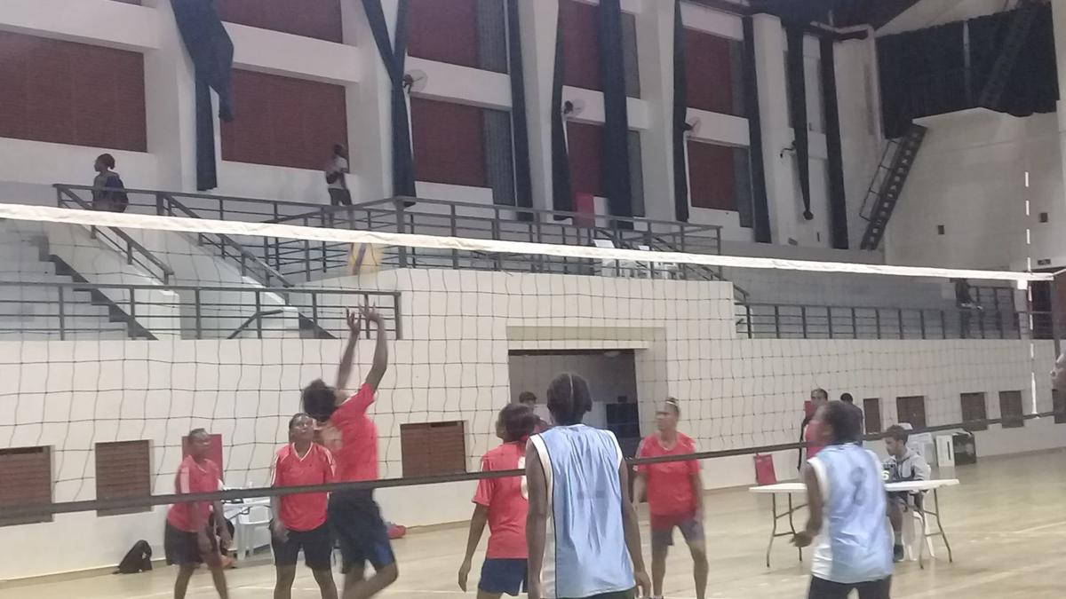 Efate Super Volleyball Championship Draws Crowd