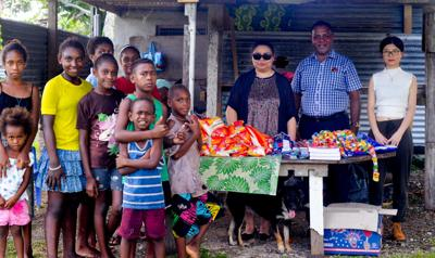 A Chinese trade company established friendship with Pango community