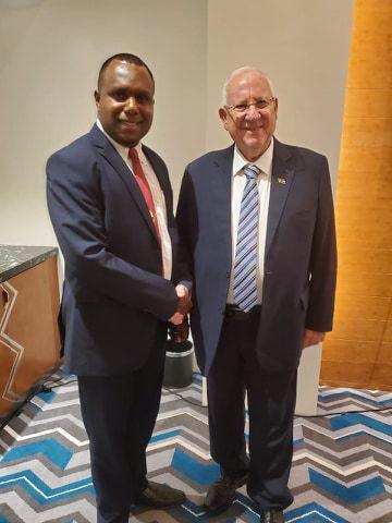 Napuat represents Vanuatu in Extraordinary Pacific Leaders Summit