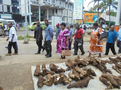 We want to take back our space: Handicraft vendors