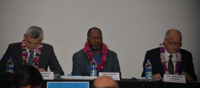 Vanuatu PM Charlot Salwai (c), NZ High Commissioner Jonathan Schwass (r) and UNDP Country Director Bakhodir Burkhanov based in Suva Fiji (l)
