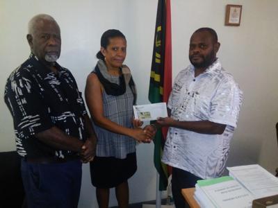Ministri blong health support Port Vila Basket Ball team