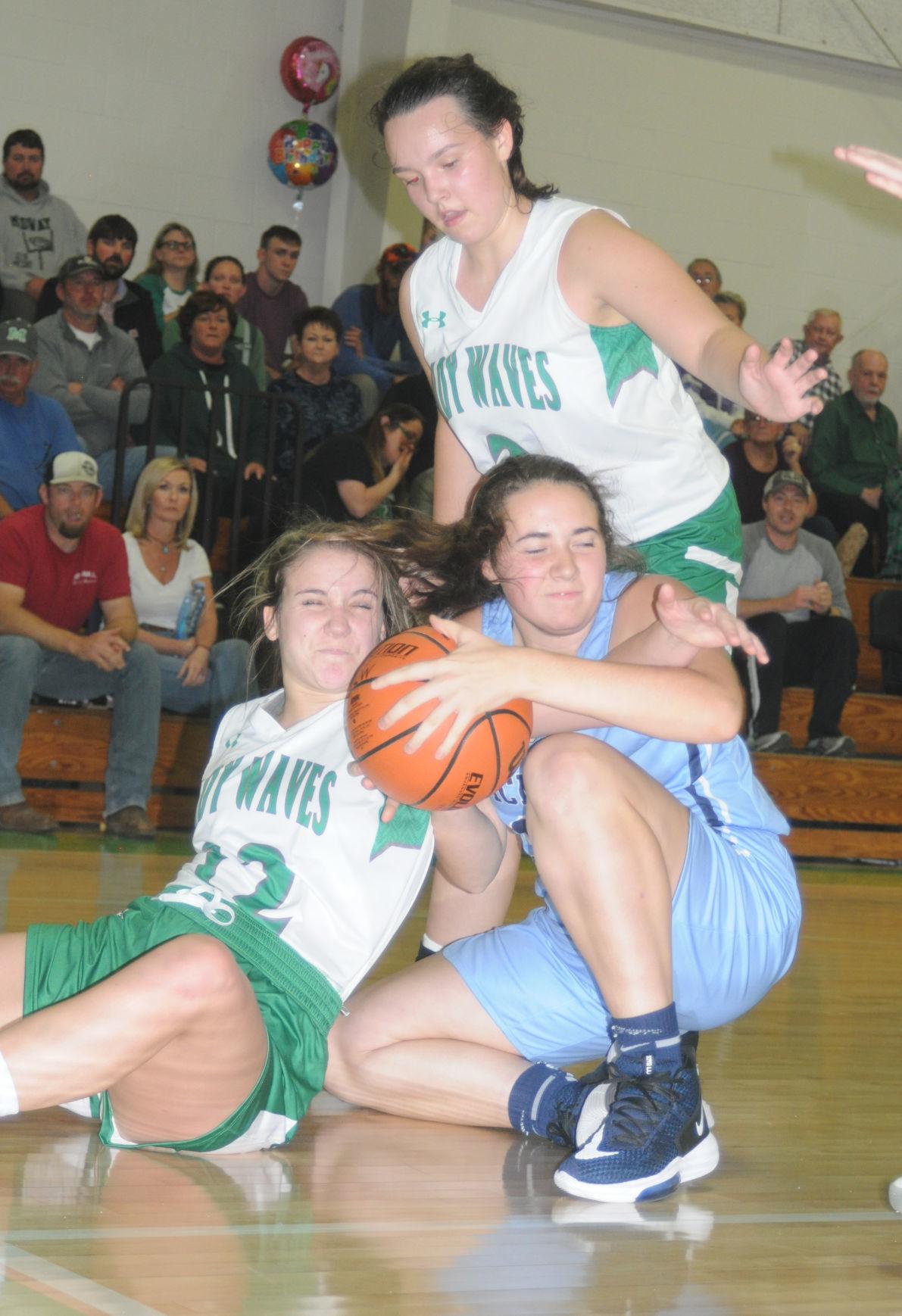 MAIN - McMinn Central's Natalie Howard battles on floor