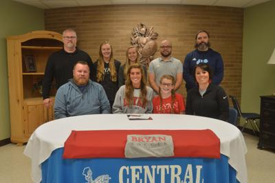 Central's Kaylyn Knox signs with Bryan