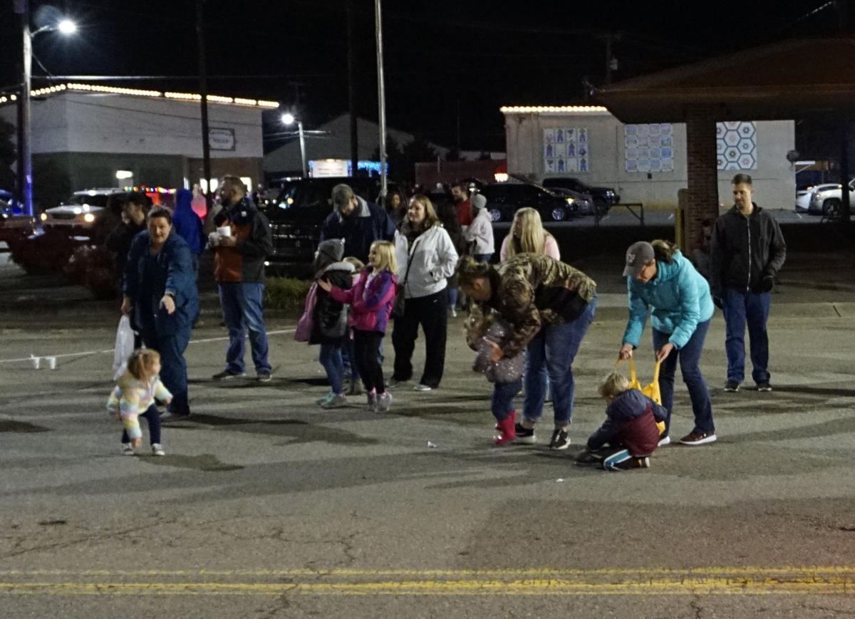 Englewood celebrates Christmas with parade