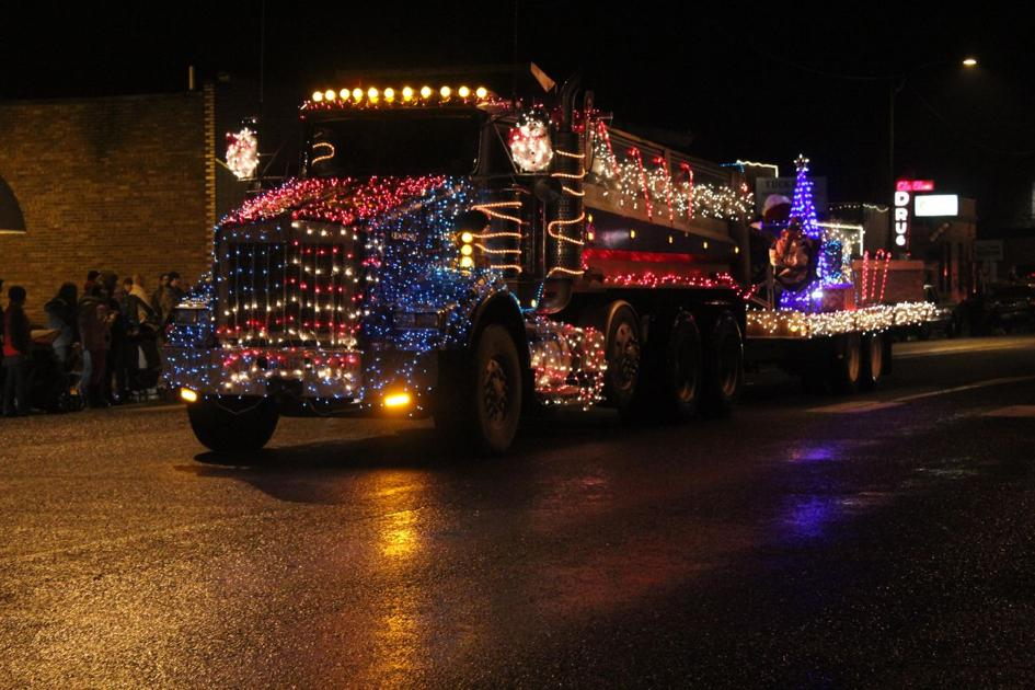 Parade Of Lights Illuminates Cle Elum Upper County