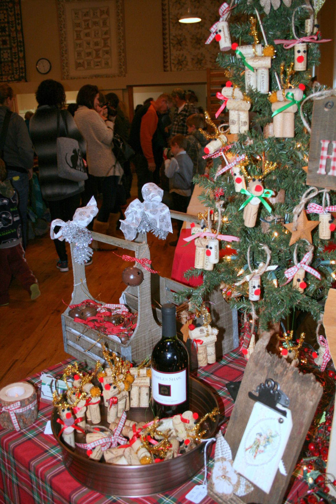 Swauk Teanaway Grange bazaar a hit with gift givers | Upper County