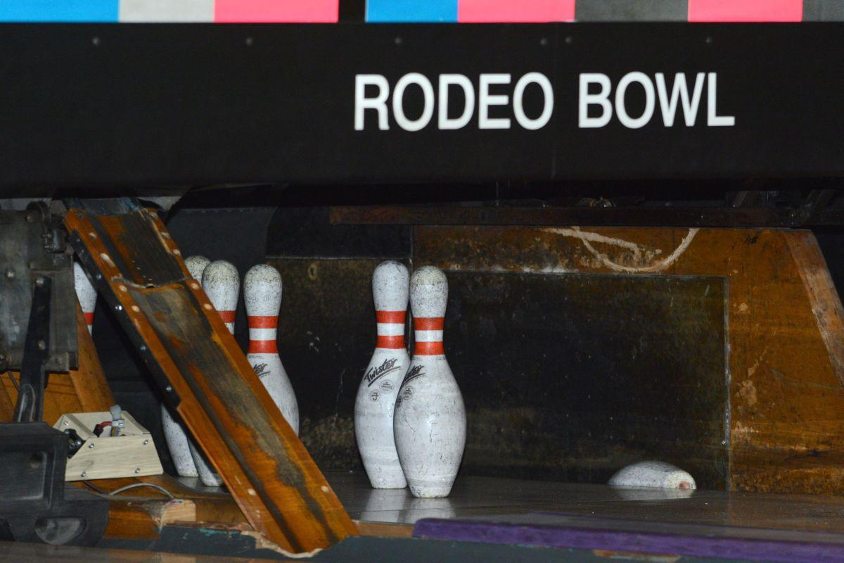 plans to reopen rodeo bowl in ellensburg fall through members