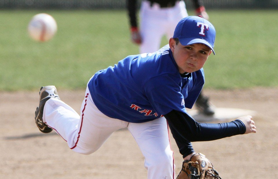 Play Ball!: Youth baseball, softball season kicks off in ...