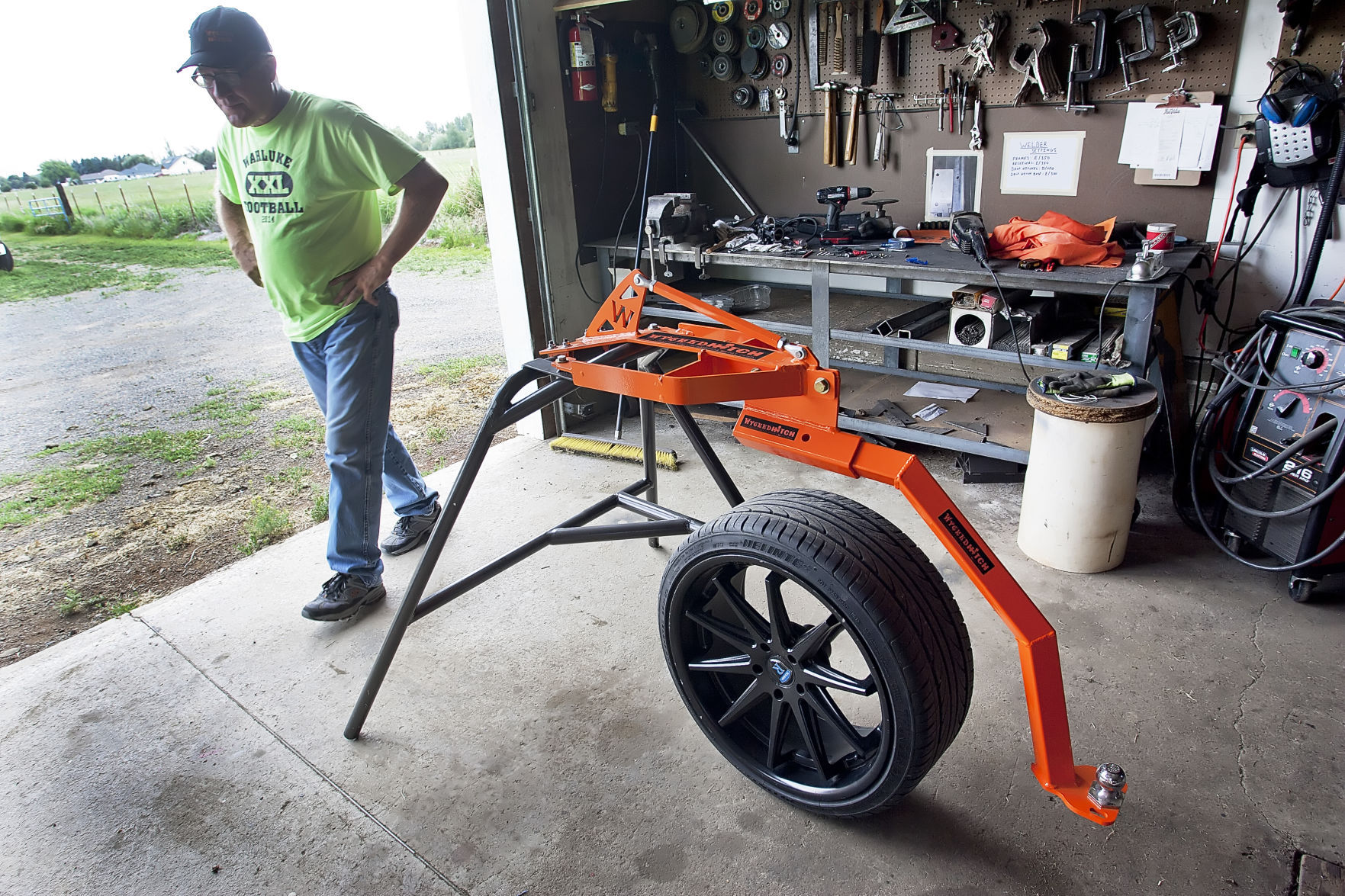 ellensburg s rich arlt finds market for slingshot hitch news rh dailyrecordnews com