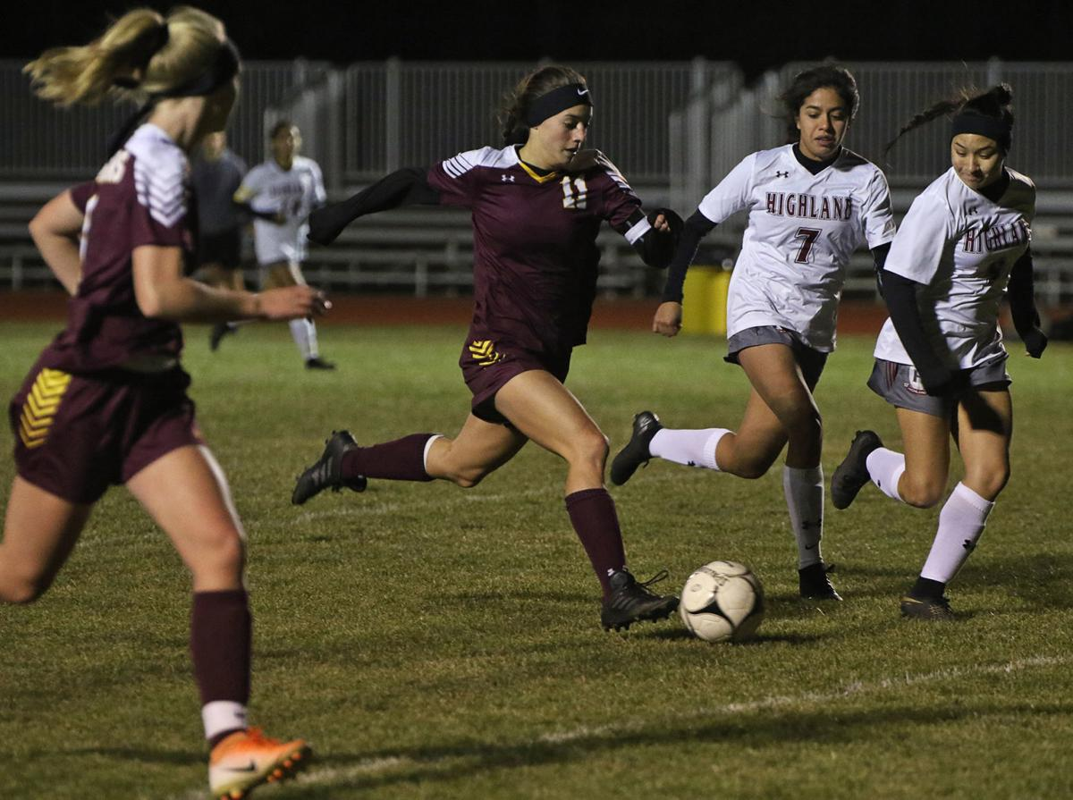 GIRLS SOCCER: Cle Elum-Roslyn vs Highland