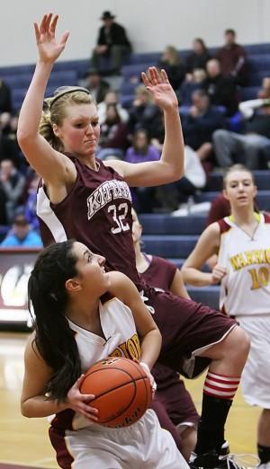Cle Elum Roslyn Girls Basketball Rallies Early To Beat